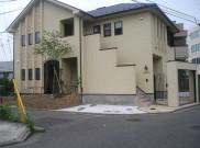 2世帯住宅、左右の雰囲気の違う外構 横浜市I様邸