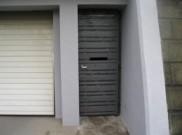目隠しフェンスと同じデザインの勝手口扉 横浜市O様邸