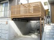 2階ウッドデッキ 兼 駐車場の屋根・サーモウッド「メルバウ」使用 横浜市M様邸