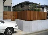縦張りウッドフェンスは目隠しに有効 横浜市T様邸他