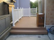人口木材のウッドデッキ フェンスはバイナルフェンス 横浜市K様邸